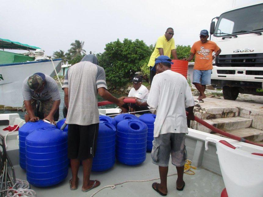 KADA Marshall Islands Hippo Rollers filling water