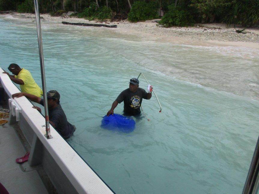 KADA Marshall Islands Hippo Rollers floating